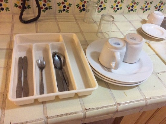 Casa Iguana Hotel: Our fully equipped kitchen?