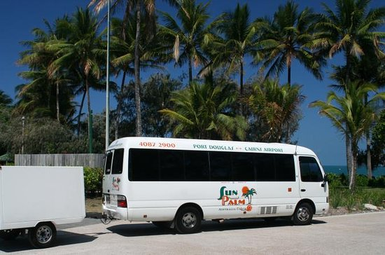 Cairns Shared Airport Arrival Transfer: Cairns CBD, Northern Beaches...