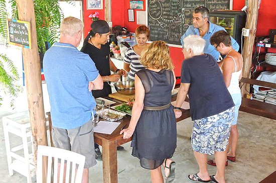4 Corners of Thailand: A Taste...