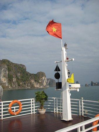 Darian Culbert: Halong Bay - A Vietnam wonder