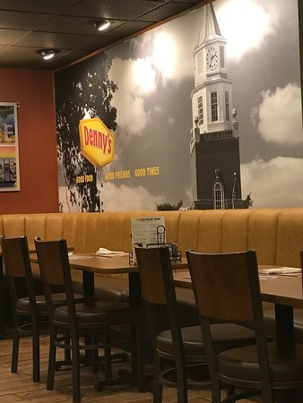 Carbondale, IL: Recently remodeled. Typically Denny's. same menu. Some pretty good servers.