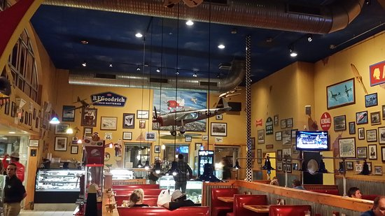 Flight Deck Restaurant & Bakery: 20170113_212227_large.jpg