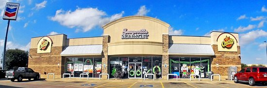 Seagoville, Teksas: A great place to dine-in with friendly staff and clean restrooms. They carry a huge selection of