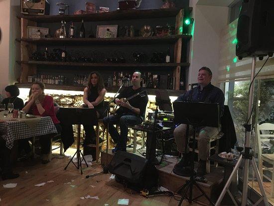 Glyfada, Grecia: The band of krikelino