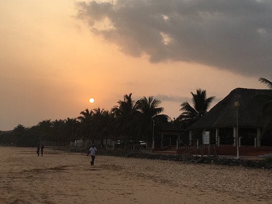 Busua Beach Resort: photo1.jpg