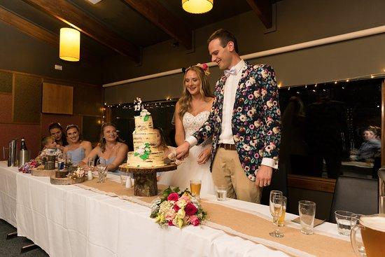 Mount Hotham, Australia: Cutting the cake!