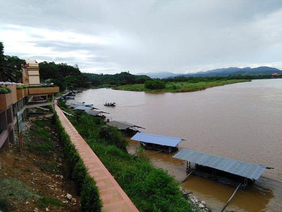 Chiang Saen, Thailand: ミャンマー側の景色