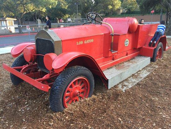 Los Gatos, CA: fire truck