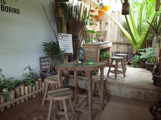 Monkey Biziness Cafe - Koh Lanta : seating