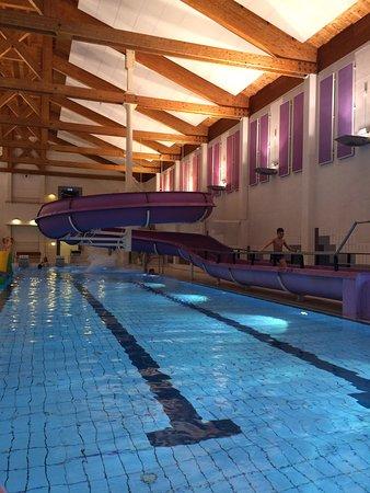 Modum Municipality, Norwegia: Furumo svømmehall med vannsklie og hoppeslott.