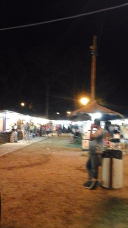 Plaza de la Familia: FERIA ARTESANAL