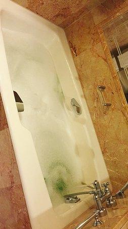 Regent Berlin: Bathtub