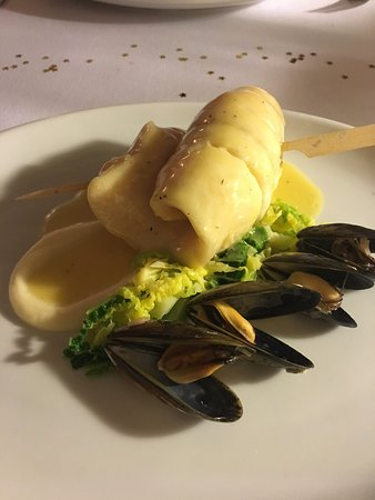Alnmouth, UK: Hake with mussels, broccoli with lemon & herb butter sauce
