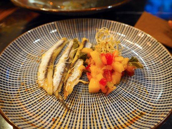 Islas Baleares, España: Eingelegte Sardinen mit Tomaten-Mango-Salat