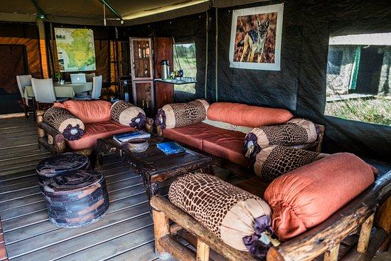 Ang'ata Migration Ndutu Camp: The Lounge at Ang'ata Migration Camp