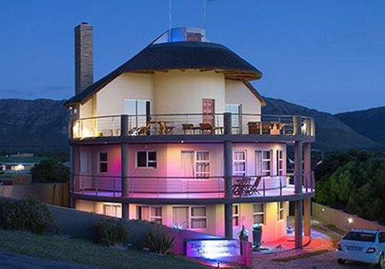 The Roundhouse Guesthouse: Divine, no?