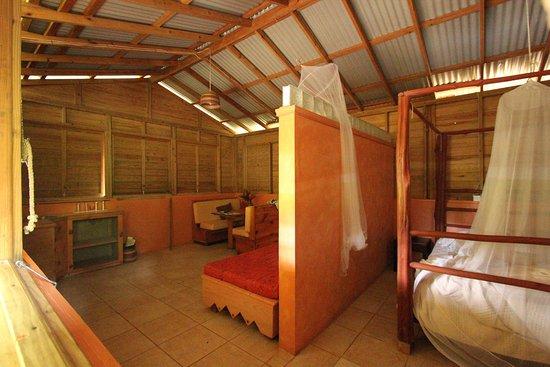 Marigot, Dominica: single cabin