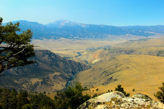 Gardiner, MT: beautiful views on the trip