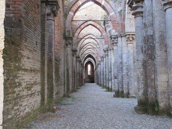 Chiusdino, อิตาลี: La navata sinistra