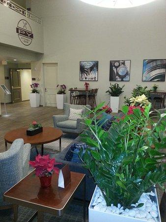 Campbell, CA: Lobby mit Sitzfläche