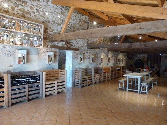 Vendee, فرنسا: Vin de producteur de Vendée. Vignoble-epiard.viti.pro. vente directe