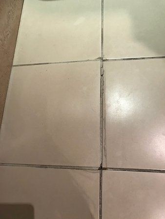Crieff, UK: Broken tile sticking up in the air