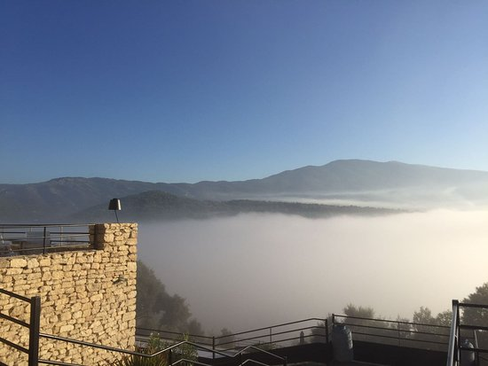 Crillon-le-Brave, ฝรั่งเศส: Sublime Vue un matin tôt en Octobre....