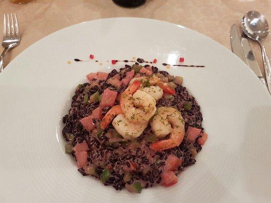 Kyustendil, Bułgaria: Фото номера и блюд в ресторане. Рекомендуем кушать в отеле. Все свежее и классно приготовлено! О