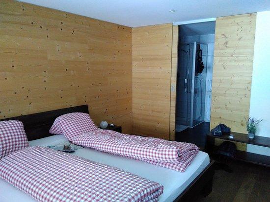 Sorenberg, Suiza: Schöne und gemütliche Zimmer.