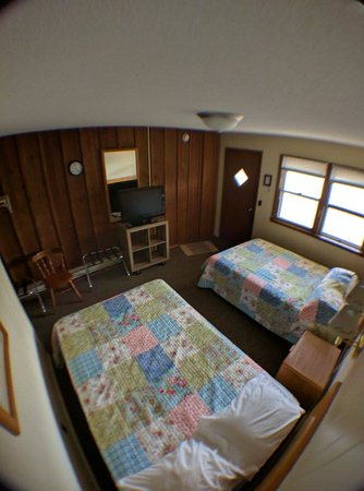 Balsam Lake Motel