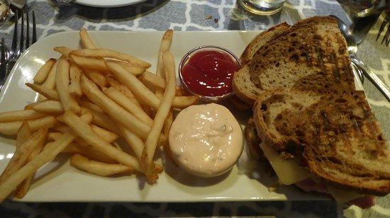 Corona del Mar, CA: Ruben sandwich