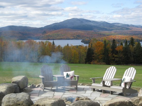 Lodge at Moosehead Lake: Natural boulder firepit overlooks the lake.