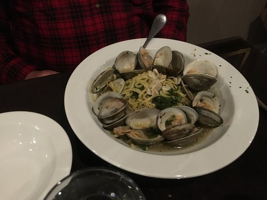 Manasquan, Nueva Jersey: Linguini with White Wine Sauce and Clams
