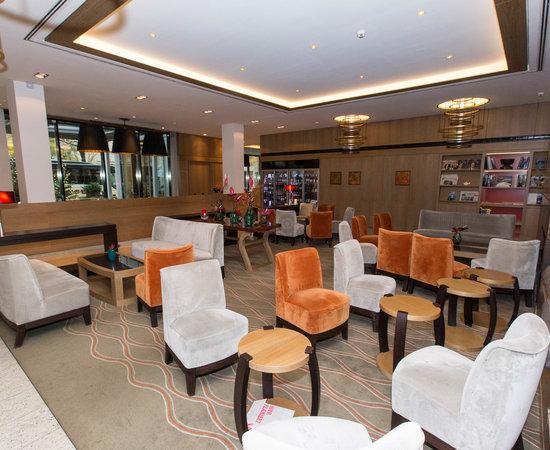 bus til hamborg lufthavn thai massage herning