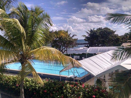 Tamarind Reef Resort, Spa & Marina: Taken from second floor Building C
