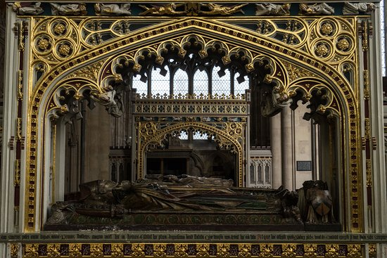 Exeter Cathedral: More tombs