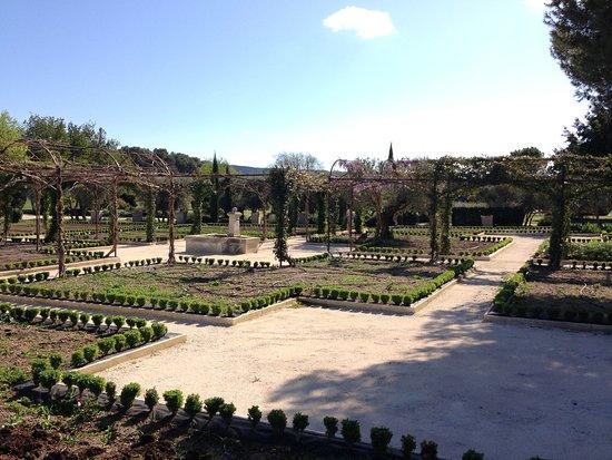 Orgon, Frankrike: Park / Garten