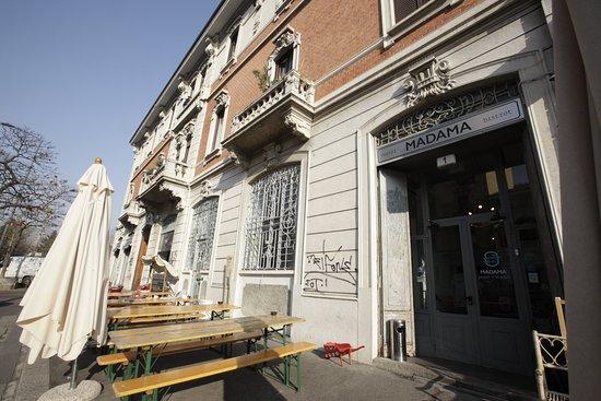 Madama hostel bistrot milan italy reviews photos for Hostel milan