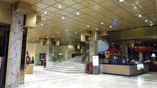 Rainbow Towers Hotel : lobby