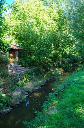 Chevreuse, ฝรั่งเศส: Promenade des petits ponts, le long de l'Yvette