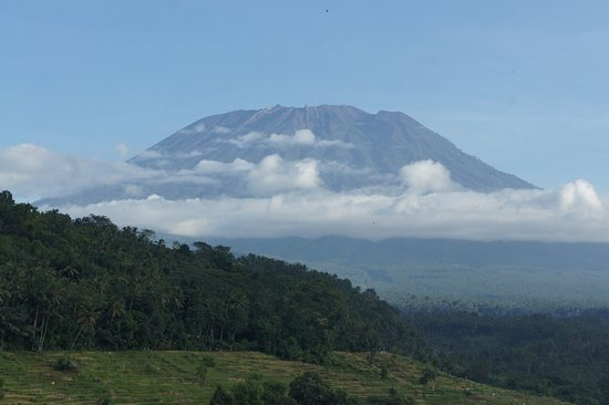 Candidasa, Indonesia: See the Agung during a walking experience