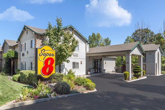 Super 8 by Wyndham Willits Photo