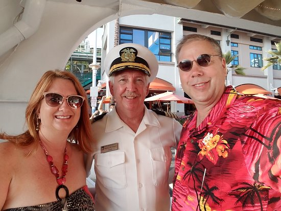 Star of Honolulu - Dinner and Whale Watch Cruises: Boarding