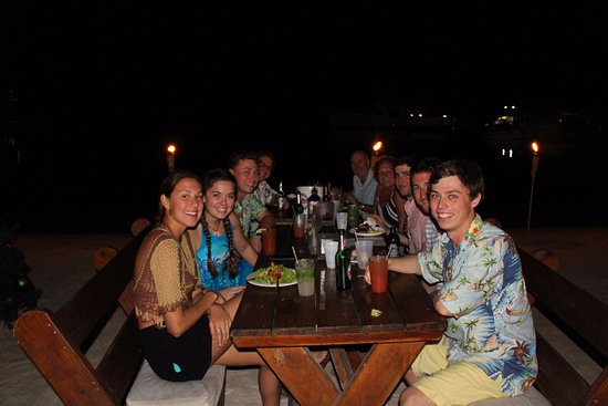 North Side, Γκραντ Κέιμαν: Dinner on the beach - Can Fit Everyone