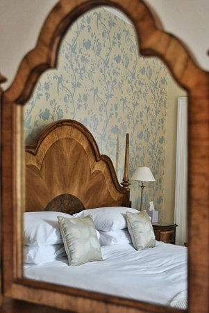 Chiseldon House: Bedroom Mirror