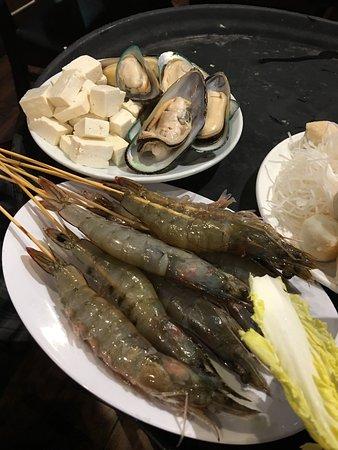 Millbrae, CA: Fresh shrimp, mussels, tofu