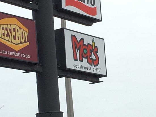 Milford, CT: Moe's
