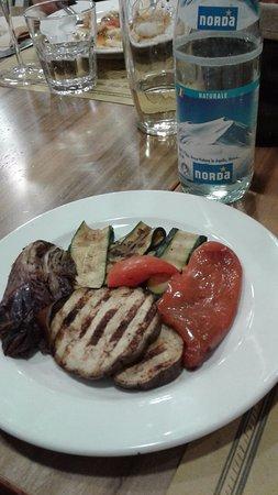 Usmate Velate, Italia: le verdure alla griglia