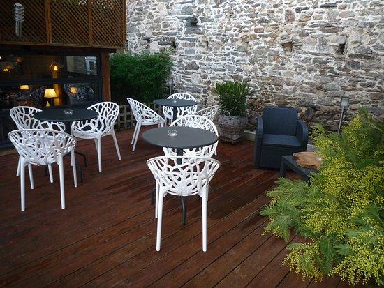 Morlaix, France: Jardin intérieur à ciel ouvert ou abrité