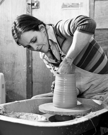 Monaghan, Irlande : Potter at work